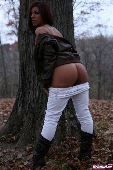 briana-lee-busty-babe-02
